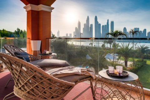 Villa in Palm Jumeirah, Dubai, UAE 7 bedrooms, 863 sq.m. № 6592 - photo 4