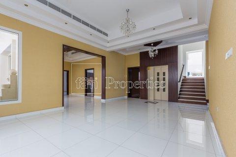 Villa in Dubai Land, Dubai, UAE 4 bedrooms, 557.4 sq.m. № 4774 - photo 8