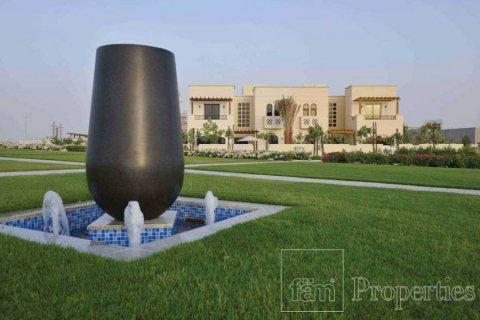 Townhouse in Dubai Land, Dubai, UAE 4 bedrooms, 386.8 sq.m. № 3477 - photo 9
