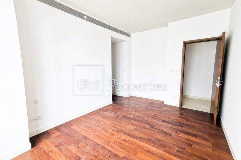 Apartment in Jumeirah, Dubai, UAE 3 bedrooms, 215.8 sq.m. № 4676 - photo 7