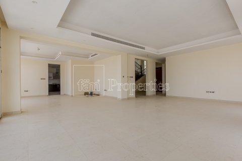 Villa in Dubai Land, Dubai, UAE 7 bedrooms, 1021.6 sq.m. № 5030 - photo 5
