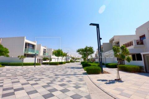 Apartment in Dubai, UAE 3 bedrooms, 175.1 sq.m. № 3496 - photo 22
