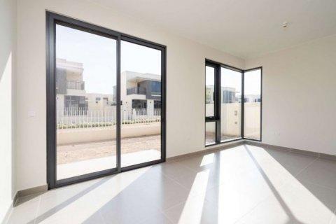 Townhouse in Dubai Hills Estate, Dubai, UAE 4 bedrooms, 222 sq.m. № 6655 - photo 2