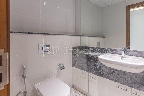 Apartment in Business Bay, Dubai, UAE 2 bedrooms, 126.3 sq.m. № 3680 - photo 26