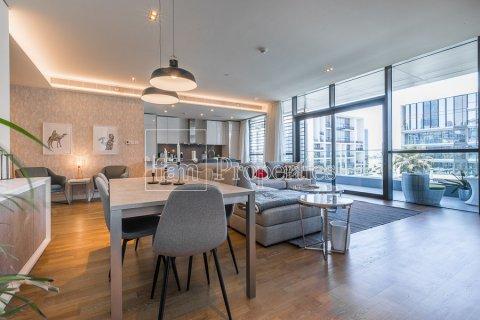 Apartment in Jumeirah, Dubai, UAE 3 bedrooms, 174.7 sq.m. № 4230 - photo 2