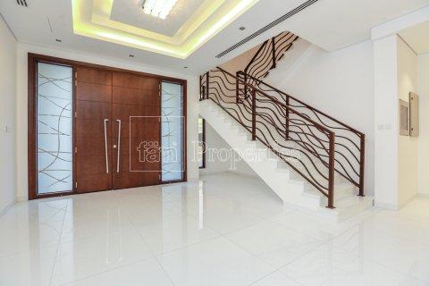 Villa in Dubai Land, Dubai, UAE 5 bedrooms, 641 sq.m. № 5052 - photo 12