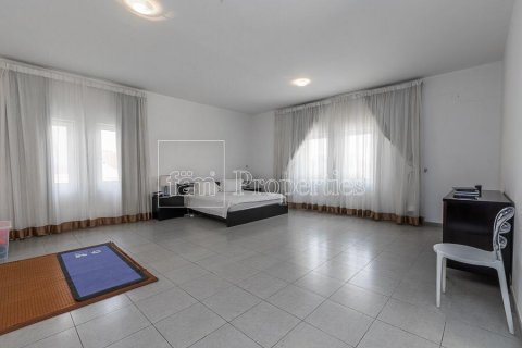 Villa in Dubai Land, Dubai, UAE 5 bedrooms, 594.6 sq.m. № 5146 - photo 8