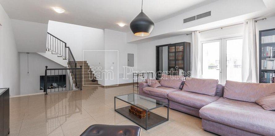 Villa in Dubai Land, Dubai, UAE 5 bedrooms, 594.6 sq.m. № 5146