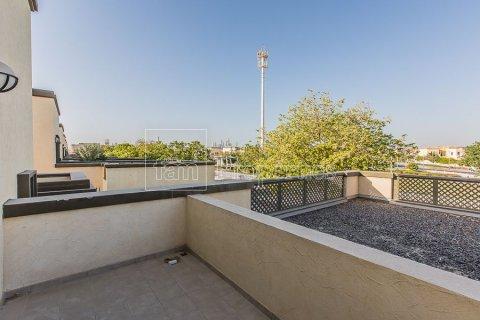 Villa in Jumeirah, Dubai, UAE 3 bedrooms, 826.6 sq.m. № 3417 - photo 22