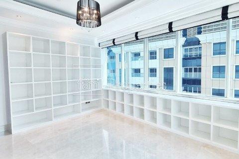 Apartment in Dubai Marina, Dubai, UAE 4 bedrooms, 566.7 sq.m. № 3613 - photo 10