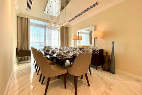Apartment in Downtown Dubai (Downtown Burj Dubai), Dubai, UAE 4 bedrooms, 251.2 sq.m. № 5507 - photo 5