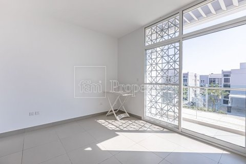 Townhouse in Dubai Land, Dubai, UAE 3 bedrooms, 204.4 sq.m. № 3281 - photo 11