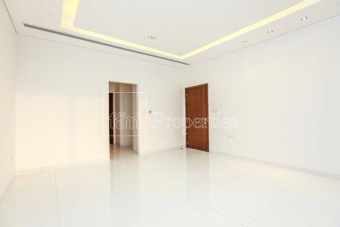 Villa in Dubai Land, Dubai, UAE 5 bedrooms, 641 sq.m. № 5052 - photo 16