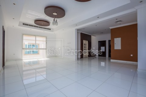 Villa in Dubai Land, Dubai, UAE 4 bedrooms, 557.4 sq.m. № 4774 - photo 12