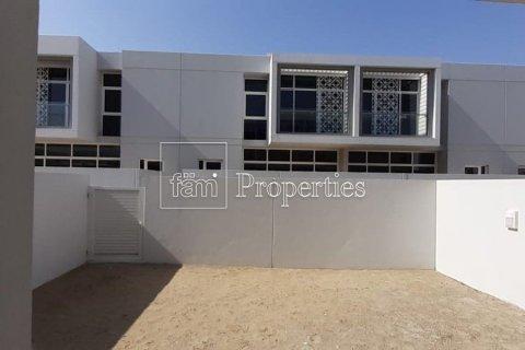 Townhouse in Dubai Land, Dubai, UAE 3 bedrooms, 212 sq.m. № 3499 - photo 13