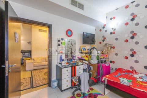 Villa in Dubai Land, Dubai, UAE 5 bedrooms, 550.7 sq.m. № 3848 - photo 17