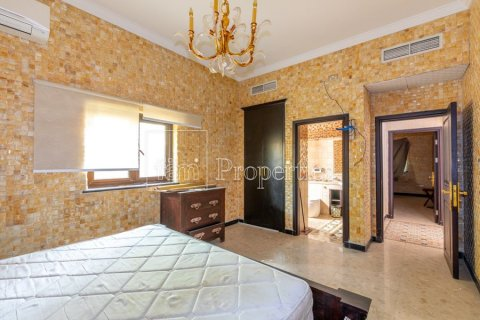 Villa in Dubai Land, Dubai, UAE 6 bedrooms, 1254.2 sq.m. № 5196 - photo 17