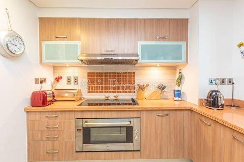 Apartment in Palm Jumeirah, Dubai, UAE 3 bedrooms, 376.5 sq.m. № 3574 - photo 18