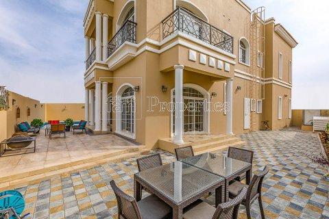 Villa in Dubai Land, Dubai, UAE 4 bedrooms, 557.4 sq.m. № 5189 - photo 9