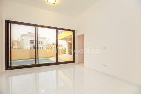 Villa in Dubai Land, Dubai, UAE 5 bedrooms, 641 sq.m. № 5052 - photo 7