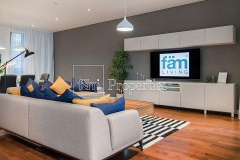 Apartment in Jumeirah, Dubai, UAE 3 bedrooms, 223.2 sq.m. № 5064 - photo 1