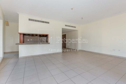 Apartment in Downtown Dubai (Downtown Burj Dubai), Dubai, UAE 2 bedrooms, 156 sq.m. № 3867 - photo 4