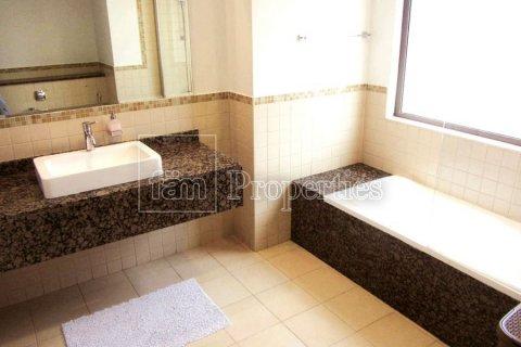 Apartment in Dubai, UAE 3 bedrooms, 170.8 sq.m. № 3287 - photo 1