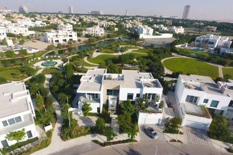 Villa in Al Barari, Dubai, UAE 6 bedrooms, 833.8 sq.m. № 3306 - photo 21
