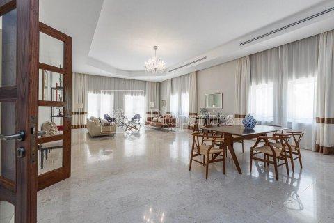 Villa in Dubai Land, Dubai, UAE 5 bedrooms, 594.6 sq.m. № 5146 - photo 6
