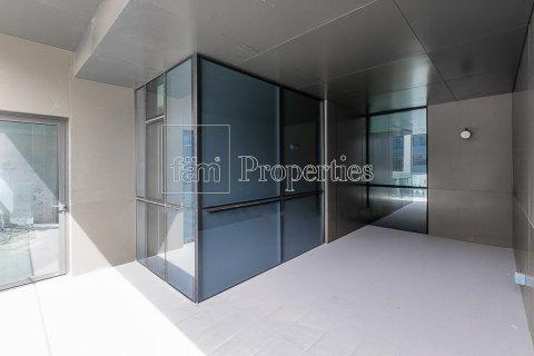 Apartment in Jumeirah, Dubai, UAE 3 bedrooms, 215.2 sq.m. № 4760 - photo 9