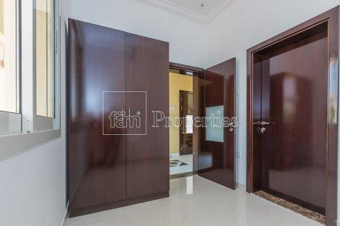 Villa in Dubai Land, Dubai, UAE 4 bedrooms, 557.4 sq.m. № 4774 - photo 11