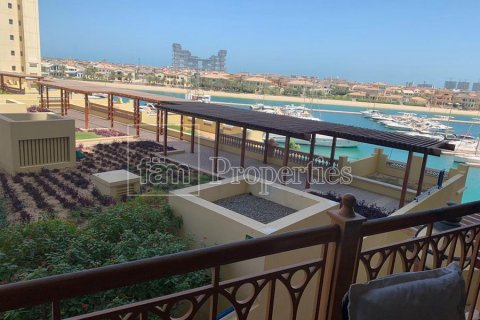 Apartment in Palm Jumeirah, Dubai, UAE 2 bedrooms, 189.2 sq.m. № 3288 - photo 2
