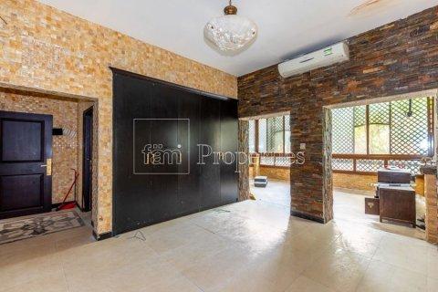 Villa in Dubai Land, Dubai, UAE 6 bedrooms, 1254.2 sq.m. № 5196 - photo 7