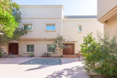Villa in Mirdif, Dubai, UAE 4 bedrooms, 1300.6 sq.m. № 3308 - photo 12