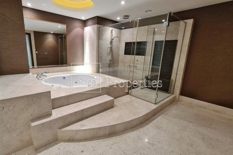Apartment in Dubai Marina, Dubai, UAE 4 bedrooms, 566.6 sq.m. № 3397 - photo 24