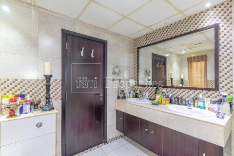 Villa in Dubai Land, Dubai, UAE 5 bedrooms, 550.7 sq.m. № 3848 - photo 26