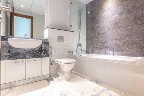 Apartment in Business Bay, Dubai, UAE 2 bedrooms, 126.3 sq.m. № 3680 - photo 12