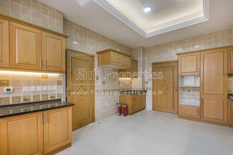 Villa in Dubai Land, Dubai, UAE 6 bedrooms, 947.6 sq.m. № 5045 - photo 8