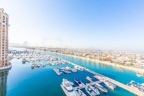 Apartment in Palm Jumeirah, Dubai, UAE 3 bedrooms, 376.5 sq.m. № 3574 - photo 23