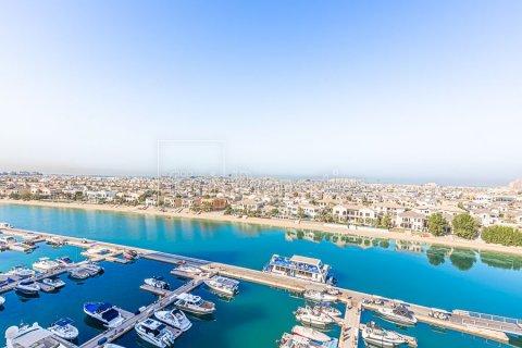 Apartment in Palm Jumeirah, Dubai, UAE 3 bedrooms, 376.5 sq.m. № 3574 - photo 4
