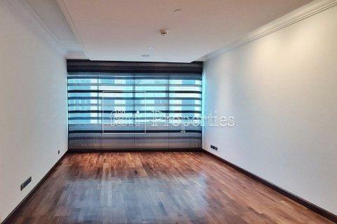 Apartment in Dubai Marina, Dubai, UAE 4 bedrooms, 566.7 sq.m. № 3613 - photo 12