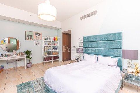 Apartment in Palm Jumeirah, Dubai, UAE 3 bedrooms, 376.5 sq.m. № 3574 - photo 6