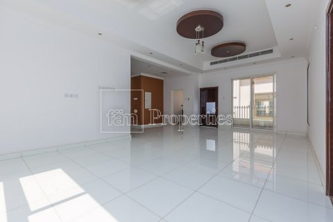 Villa in Dubai Land, Dubai, UAE 4 bedrooms, 557.4 sq.m. № 4774 - photo 13