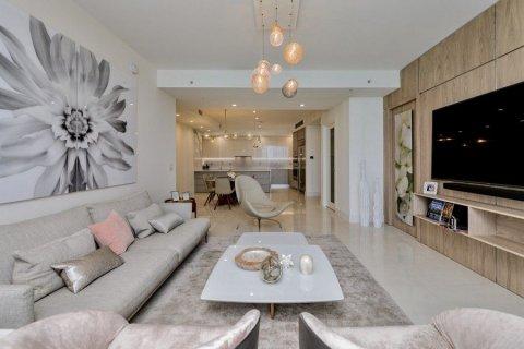 Apartment in Jumeirah, Dubai, UAE 54.9 sq.m. № 3214 - photo 2
