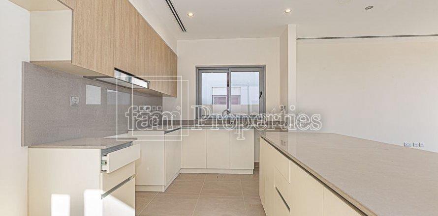 Villa in Dubai Hills Estate, Dubai, UAE 4 bedrooms, 458.3 sq.m. № 3199