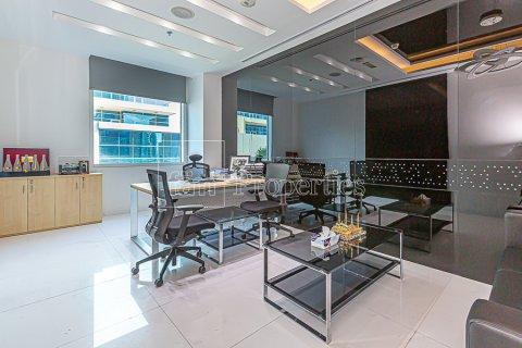 Office in Business Bay, Dubai, UAE 210.5 sq.m. № 3412 - photo 1
