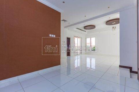 Villa in Dubai Land, Dubai, UAE 4 bedrooms, 557.4 sq.m. № 4774 - photo 15
