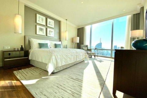 Apartment in Downtown Dubai (Downtown Burj Dubai), Dubai, UAE 4 bedrooms, 251.2 sq.m. № 5507 - photo 8