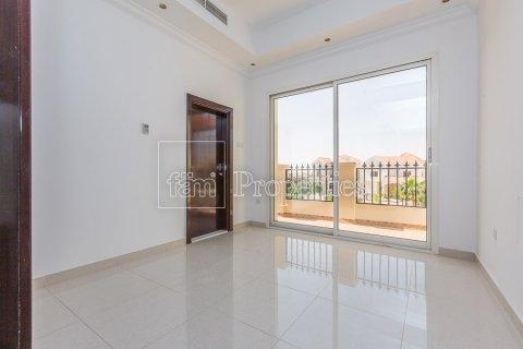 Villa in Dubai Land, Dubai, UAE 4 bedrooms, 557.4 sq.m. № 4774 - photo 23