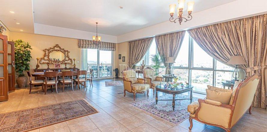 Apartment in Palm Jumeirah, Dubai, UAE 3 bedrooms, 376.5 sq.m. № 3574